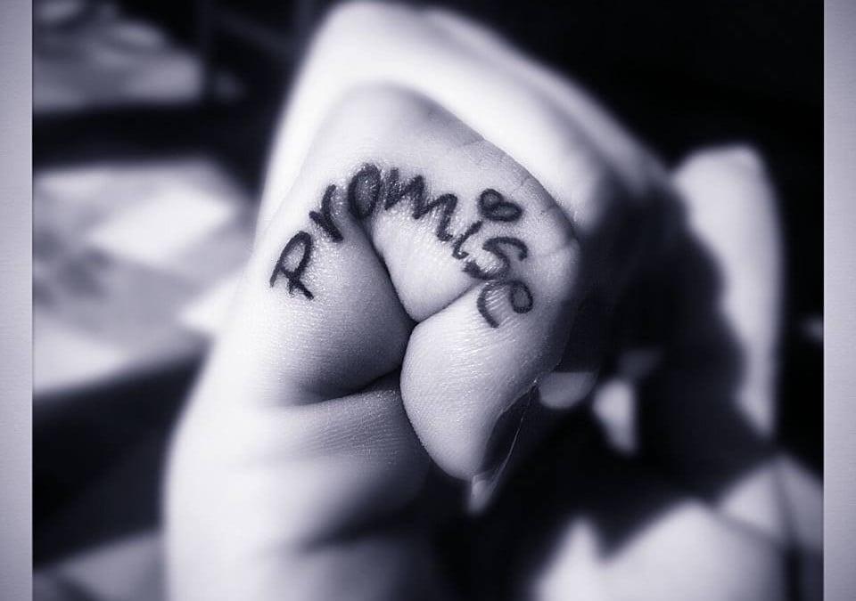 Finger Tattoos Rock!
