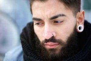 guy-nose-ring