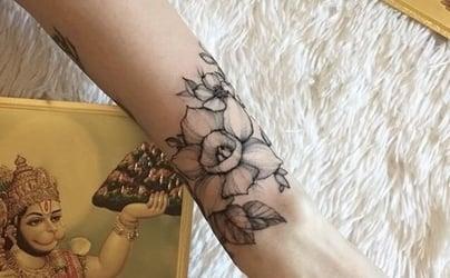Anastasia Dark Simpson @anastasiadarksimpson FreshTrends Body Jewelry spring tattoo collection spring tattoo showcase spring 2018 spring styles spring trends body mods fashion alt fashion alternative ink